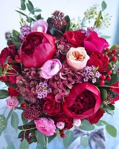 69 Best Ideas Wedding Flowers Arrangements Maroon Just how to Have the Bride Bouquet and Bridal Bouquet Pink, Bridal Flowers, Floral Bouquets, Wedding Bouquets, Red Wedding Flowers, Rose Bouquet, Small White Flowers, Beautiful Flowers, White Flower Arrangements