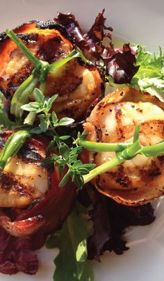 Scallops with a bit o' brown sugar & cayenne, and wrapped in a ribbon of divine swine