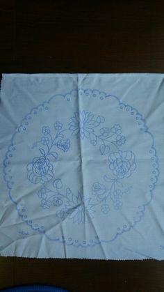 カロチャ刺繍図案。 kalocsa embroidery pattern. Hungarian Embroidery, Hand Embroidery Stitches, Hand Embroidery Designs, Embroidery Patterns, Sketch 4, Pencil Design, Tablecloths, Fabric Painting, Blouse Designs