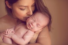 newborn baby photography by Baby as Art Brittany Woodall and Carrie Sandoval.