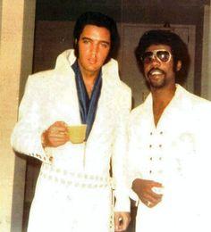Elvis backstage - Las Vegas 1970
