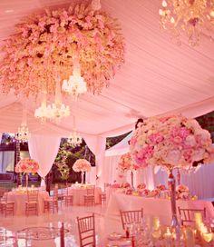 Décoration de mariage : thème romantique | Tout pour mon mariage     We at ATB LOVE LOVE LOVE the ceiling detail!