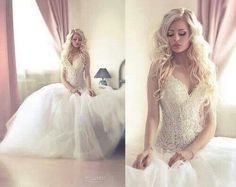 Inlove with her hair and gown