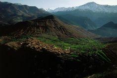 YannArthusBertrand2.org - Fond d écran gratuit à télécharger || Download free wallpaper - Village dans la vallée de l'Ourika, Maroc (30°44' N – 6°33' O).