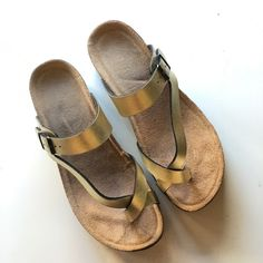 Birkenstock style sandal In great condition Urban Outfitters Shoes Sandals