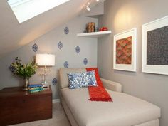 Looking for attic room conversion ideas? Lucky you, we have compiled these 35 clever ideas to make your attic room to look more inviting! Attic Master Bedroom, Attic Bedroom Designs, Attic Bedrooms, Attic Bathroom, Master Suite, Attic Design, Attic Renovation, Attic Remodel, Small Guest Rooms