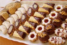Čajové pečivo Christmas Sweets, Christmas Baking, Christmas Cookies, Mini Cupcakes, Cupcake Cakes, Czech Recipes, Arabic Food, Sugar Cookies, Sweet Recipes