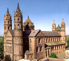 romaanse architectuur - Google zoeken Old Churches, Romanesque, Victorian Homes, Barcelona Cathedral, Big Ben, Renaissance, Architecture, Gallery, Building