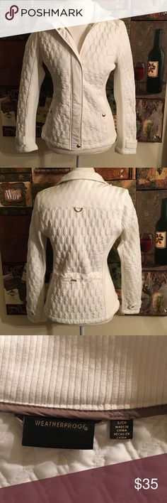 Weatherproof White Quilted Jacket. Weatherproof White Quilted Rib Knit Jacket. Gold hardwear. Zips and snaps closed. Size S but fits M and L also. 100% polyester. Weatherproof Jackets & Coats