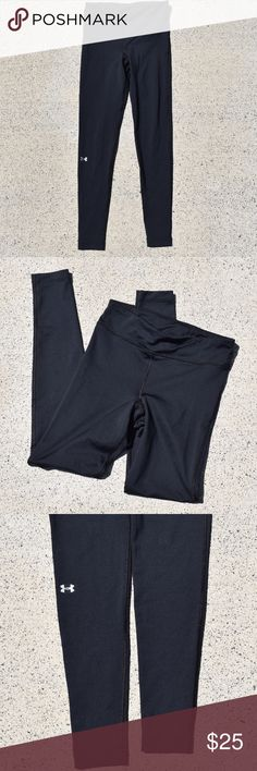🌺 Under Armour long, black ColdGear Leggings Pre-loved but flawless!! 💘 Under Armour compression Cold Gear leggings, fit s-m. I love love love these!! ☺️ Super comfy and make you look great! Definitely an essential, I ended up with two of them so let this be your lucky day and grab a pair!! Under Armour Pants Leggings