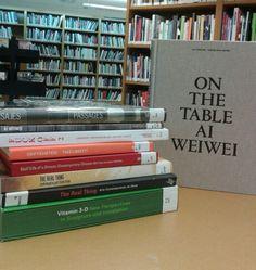 Ai weiwei en la biblioteca del IVAM