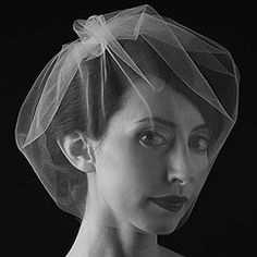 Find a wonderful selection of Sara Gabriel Veils & Headpieces at Perfect Details. Classic veils & blushers with a touch of contemporary flair. Hand sewn & finished.  Define your style at Perfect Details.