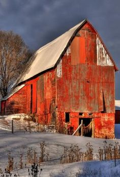 Country Winter, Snow and old red barn Farm Barn, Old Farm, Country Barns, Country Style, Country Life, Country Living, Country Decor, Country Roads, Barn Pictures