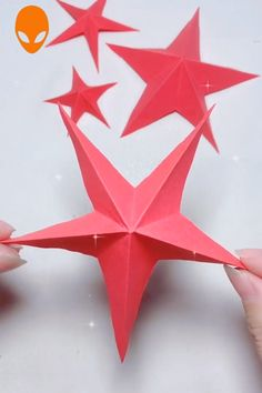 Geburtstag 10 Fun Origami To Surprise Your Friends - DIY Tutorials Videos Diy Crafts For Gifts, Paper Crafts For Kids, Christmas Crafts For Kids, Xmas Crafts, Christmas Diy, Origami Simple, Useful Origami, Paper Crafts Origami, Origami Art