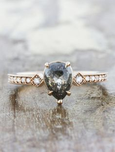 Cool Engagement Ring Designs - Going to buy an engagement ring? You definitely similar to this finest engagement ring designs. The modern, traditional, and also luxury engagement ring. Wedding Rings Vintage, Vintage Engagement Rings, Vintage Rings, Wedding Jewelry, Wedding Bands, Boho Wedding Ring, Gold Wedding, Wedding Sets, Non Traditional Engagement Rings Vintage