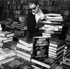 Grace Kelly in a Hollywood bookshop, 2 November 1954.