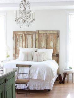 Gorgeous 50+ Elegant Shabby Chic Bedroom Decor and Furniture Inspirations https://homedecormagz.com/50-elegant-shabby-chic-bedroom-decor-and-furniture-inspirations/