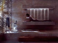 horizontale Dusche von Dornbracht - ungewähnliches Baderlebnis
