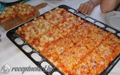 Olcsó tepsis pizza recept fotóval