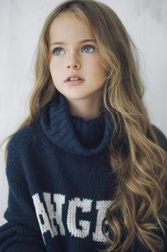 Kristina Pimenova la niña más guapa del mundo, toda una súper modelo
