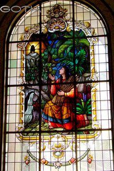 Vitral hallazgo de la Virgen de los Ángeles por Juana Pereira, Basílica de los Ángeles, Cartago, Costa Rica