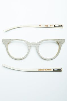 Oak, handmade, wooden sunglasses by Rozi.