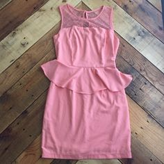 Forever 21 dress Very cute and elegant. Worn once. In great condition. Lace on the top. Pastel orange. Forever 21 Dresses Midi