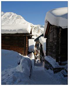 #Saas_Fee | snowzine.com