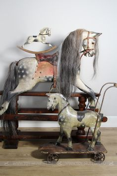 sweet old horses Antique Rocking Horse, Vintage Horse, Rocking Horses, Antique Toys, Vintage Antiques, Vintage Interiors, Carrousel, Equestrian Decor, Victorian Cottage