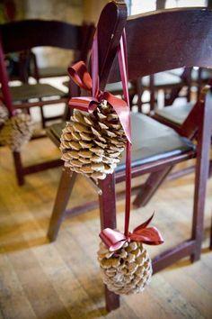 Mariage: Des pommes de pin en décoration de votre cérémonie d'hiver