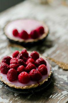 Malinové tartaletky China Bowl, How To Make Cake, Raspberry, Cottage, Fruit, Sweet, Food, Candy, Cottages