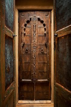 I think I just found a wooden door I like |||| Beautifull doors. The Inn of the Five Graces, New Mexico