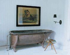 """Мы подскажем. Отличиться стилем: ванная на """"ножках"""" http://on.fb.me/1WrpaCU"""