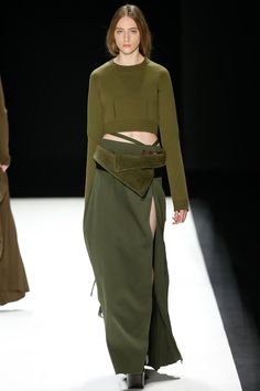 Vera Wang Fall 2016 Ready-to-Wear Fashion Show - Lia Pavlova