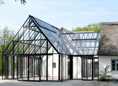 Drivadan-glasbyggeri_3 Glass Green House, New House Construction, Patio Design, House Design, Garden Swimming Pool, Barn House Plans, Big Houses, Next At Home, Conservatory