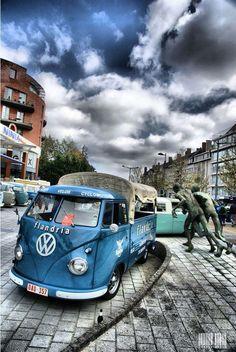 Vw Kombi Van, Volkswagen Group, Volkswagen Transporter, Volkswagen Bus, Vw T1, Classic Campers, Vw Classic, Vw Camper, Carros Audi