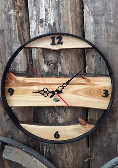 The most amazing wooden clocks Barrel Furniture, Diy Furniture, Wood Projects, Woodworking Projects, Woodworking Quotes, Woodworking Plans, Wall Clock Design, Diy Clock, Wood Clocks