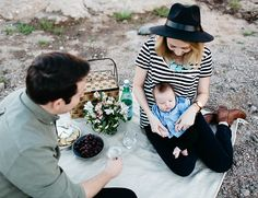 Desert Picnic Family Photos - Inspired By This-family picnic!