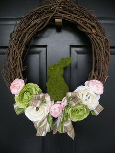 Moss Bunny Ranunculus Easter Wreath by Daulhouseshop on Etsy, $75.00