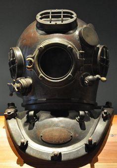 vintage diving mask