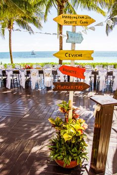 Cute ways to help your guests locate food and drinks stations. #UnlimitedRomance #SecretsCapri