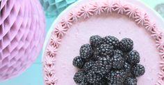 Zu meinem Geburtstag wollte ich gerne wieder ein Törtchen machen. Gerne etwas mit Beeren und die Kombination Mohn und Brombeere hat mic...