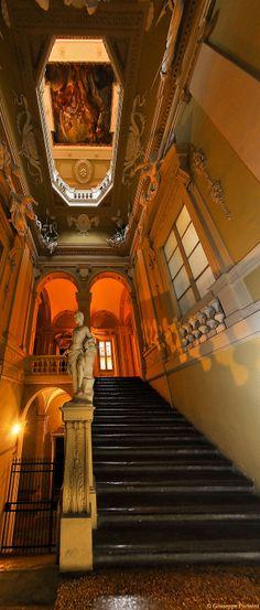 Palazzo Merendoni, via Galliera Bologna