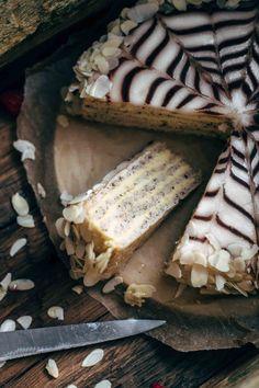 Hungarian Esterházy Torte Recipe (thin layers of almond and hazelnut meringue, filled with spiced kirsch custard buttercream) Hungarian Desserts, Hungarian Recipes, Hungarian Food, Baking Recipes, Cake Recipes, Dessert Recipes, Esterhazy Torte, Antipasto, Hazelnut Meringue