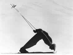 Leo Gasperl Lake Annecy, Chalet Chic, Bar Image, Ski Posters, Vintage Ski, Ski Fashion, Foto Art, Snow Skiing, History Photos