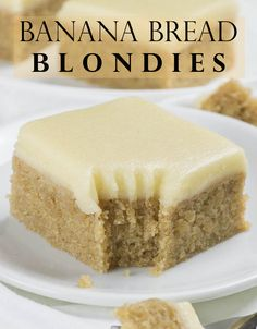 Try these easy Banana Bread Blondies! This simple, one-bowl dessert recipe makes the best moist and fudgy banana blondies, with brown sugar and cinnamon. Cake Mix Banana Bread, Moist Banana Bread, Chocolate Chip Banana Bread, Chocolate Cake Mixes, Chocolate Desserts, Dessert Simple, Honey Dessert, Dessert Bread, Mini Desserts