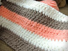Coral Cream Tan Chunky Crochet Baby Blanket Source by amandagbright Bernat Blanket Patterns, Crochet Baby Blanket Free Pattern, Crochet Baby Blanket Beginner, Crochet Quilt, Crochet Afghans, Crochet Blankets, Crochet Stitches, Baby Afghans, Afghan Patterns