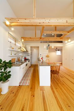 CASE 212 | 無垢フローリングで作られた家 |ローコスト・低価格住宅 | 注文住宅なら建築設計事務所 フリーダムアーキテクツデザイン