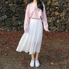 Korean Fashion Trends you can Steal – Designer Fashion Tips Long Skirt Fashion, Long Skirt Outfits, Korean Fashion Dress, Korean Street Fashion, Ulzzang Fashion, Korea Fashion, Asian Fashion, Look Fashion, Fashion Outfits