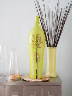 Use fallen leaves and paint to make this festive vase! More colorful fall projects: http://www.bhg.com/thanksgiving/crafts/colorful-simple-fall-projects/?socsrc=bhgpin110312leafvase#page=9